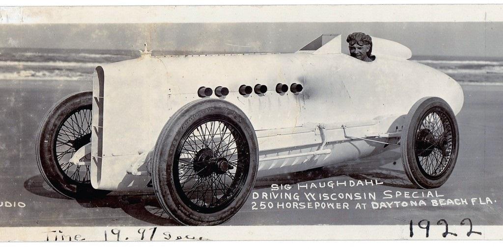 1922-04-06 Wisconsin Special - Sig Haugdahl record Daytona beach (8).jpg