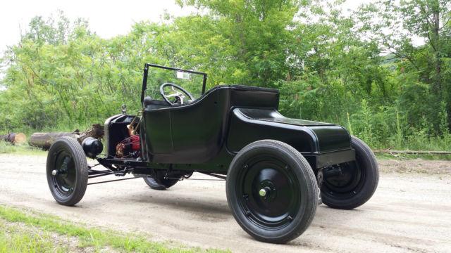 1925-ford-model-t-roadster-speedster-hot-rod-restored-4.JPG