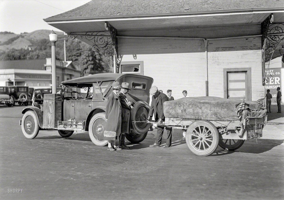 1925 Nash and Auto Kamp via SHORPY.jpg