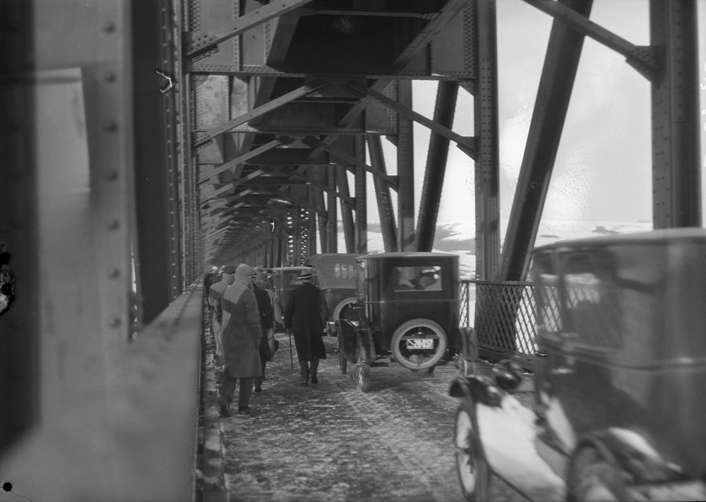 1926-9 Saskatchewan River.jpg