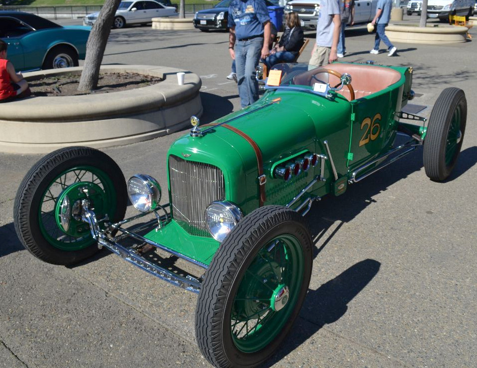 1926_Ford_ModelTModifiedTiffanyRaceCar_177ci_22.5HP_4Cylinder_FrontView.jpg