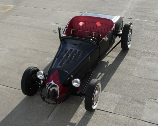1927-ford-track-style-roadster-hot-rod-extra-clean-sorted-steel-body-1.jpg