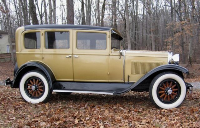 1928-hupmobile-sedan-1.jpg