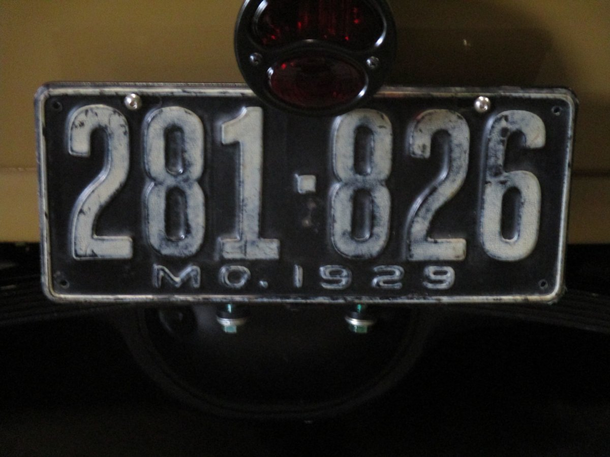 1929 ford carb and license 005.JPG