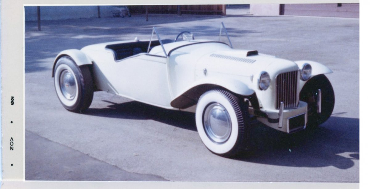 1929 Ford Model A Roadster hot rod Ed Seltzer RF view.jpg