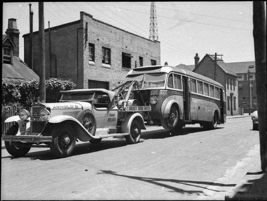 1929_Cadillac_tow_truck.jpg.cf.jpg