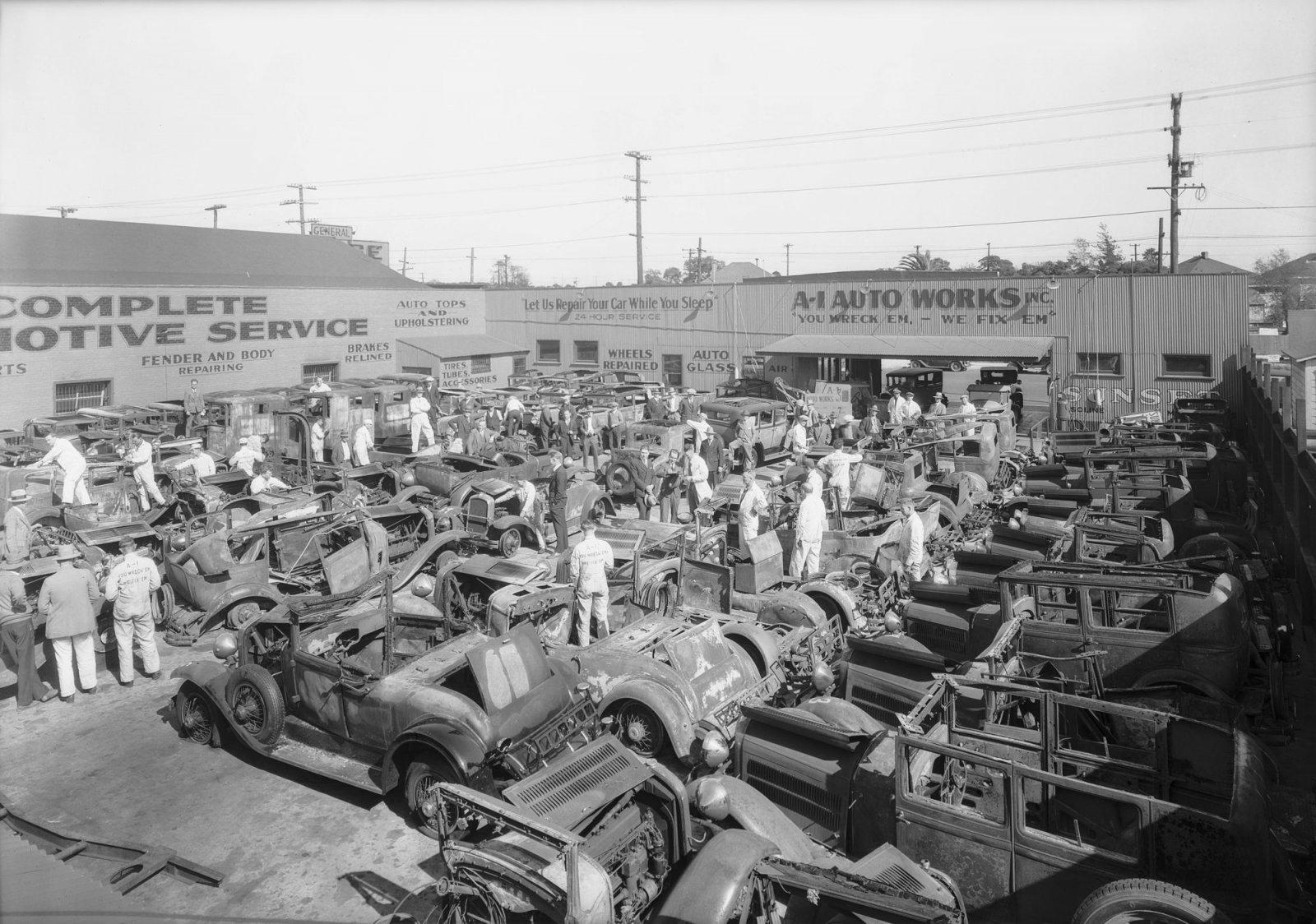 1929LAautoshow_01_2000.jpg
