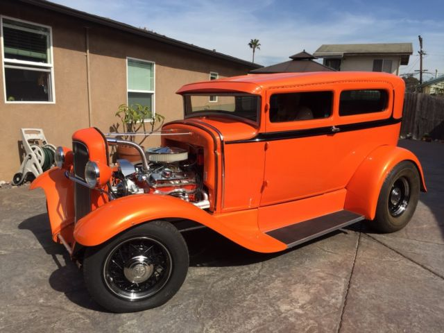 1930-chopped-ford-tudor-sedan-hot-rod-2.jpg