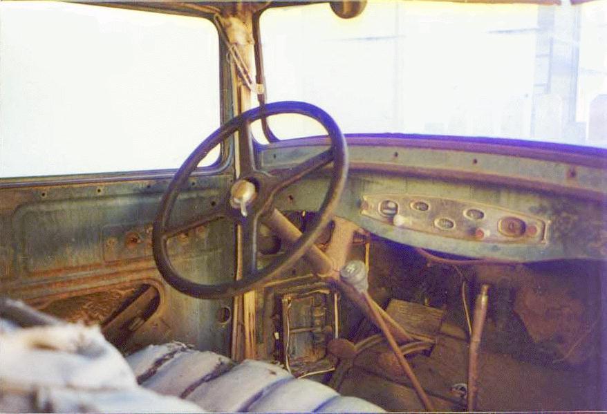 1930 DB dash.jpg