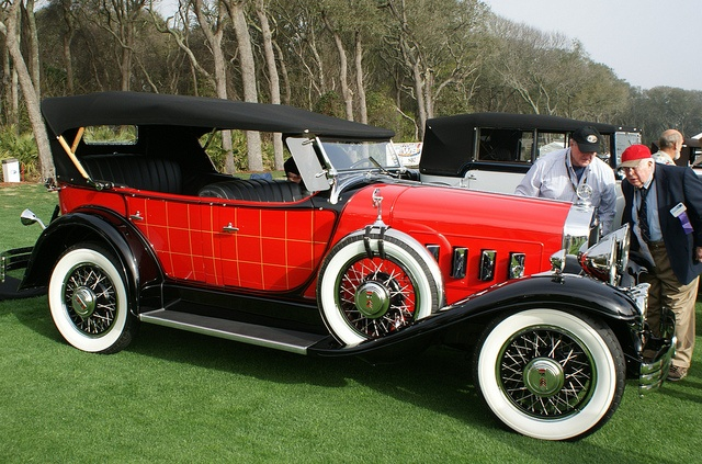 1930 Willys Knight plaidside phaeton.jpg