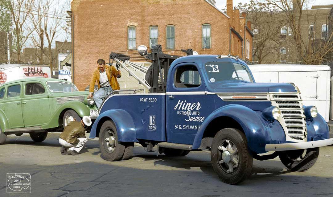 1930s-International-Tow-Truck-and-1936-Ford-Sedan.jpg