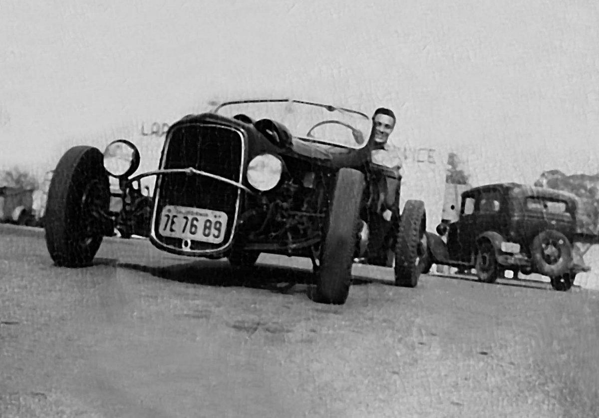 1930s Vintage car-1.jpg