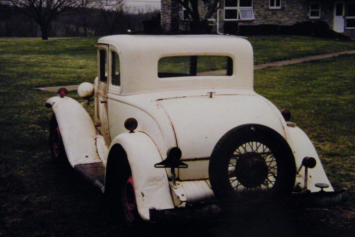 1931 PONTIAC (1999) 001.jpg