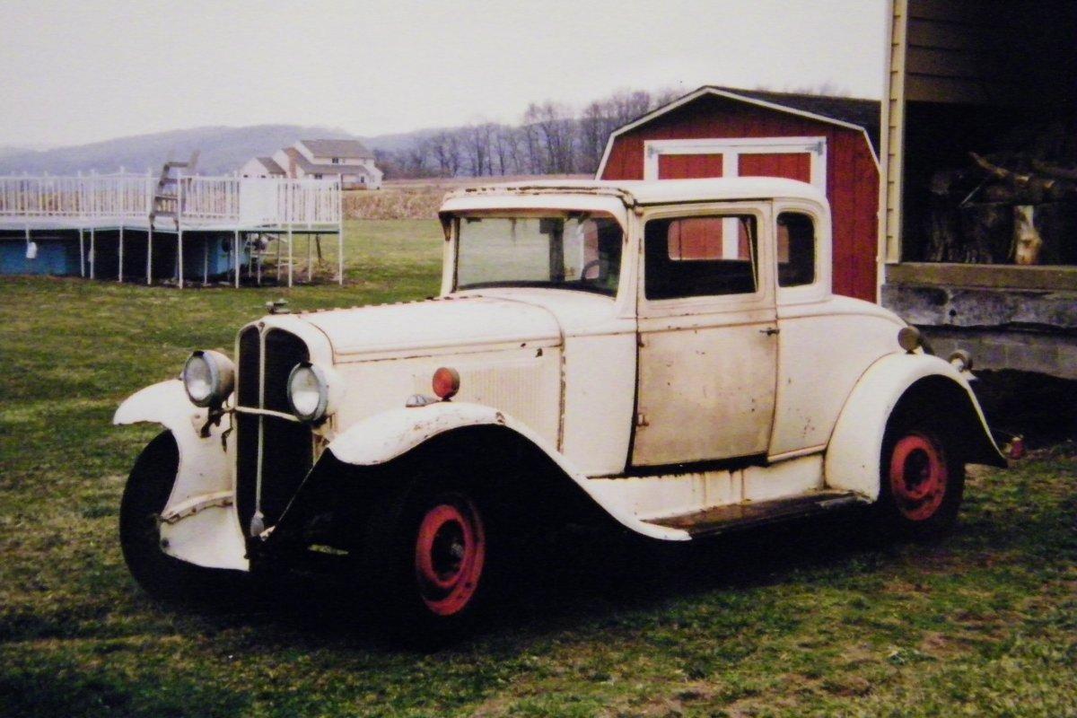 1931 PONTIAC (1999) 002.jpg