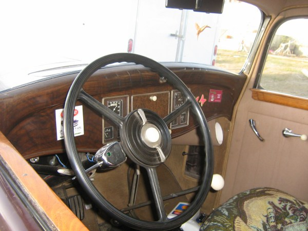 1931-Reo-Royale-Victoria-Eight-interior.jpg