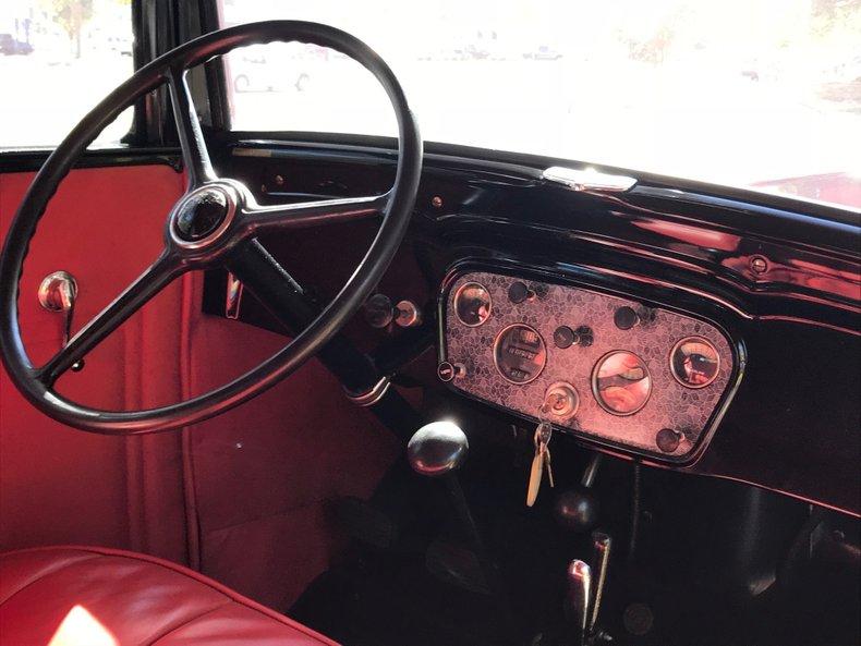 1932-chevrolet-4-door-sedan.jpg