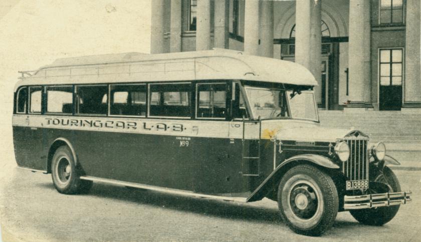 1932-diamond-t-van-de-lab-leeuwarder-autobedrijf-met-een-carrosserie-v-hainje-heereveen-b-13888.jpg