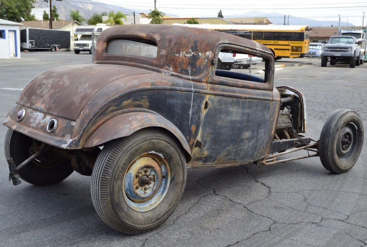 1932-Ford-Coupe-Custom-2-e1509667577325.jpg