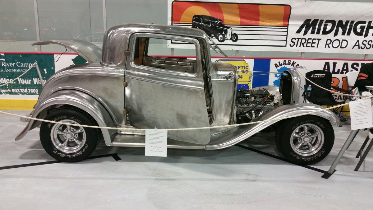1932 ford eagle river car show 2.jpg