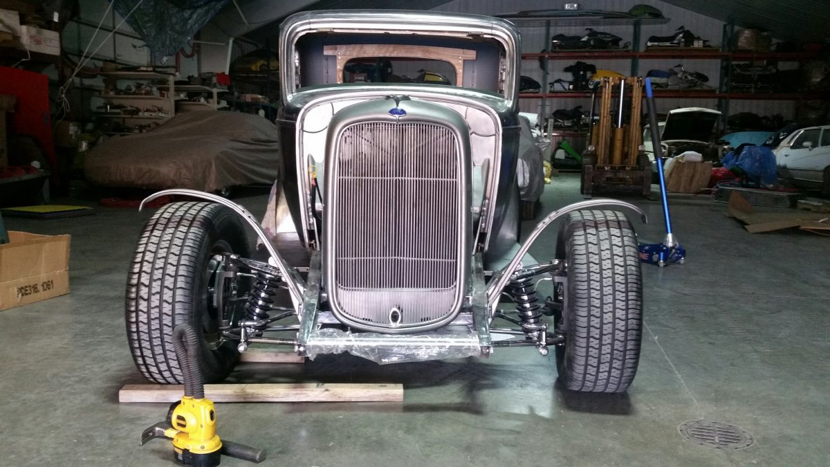 1932 ford night 3.jpg
