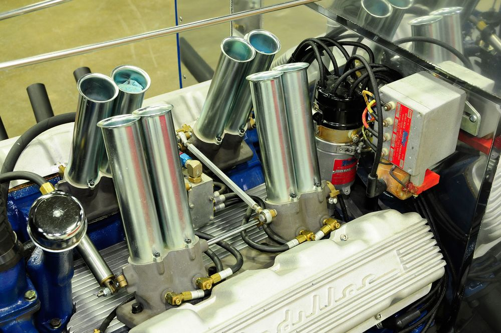 1932-ford-pickup-eight-stack-fuel-injection-set-up.jpg