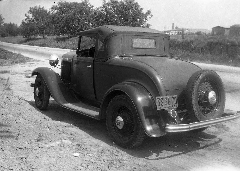 1932 Ford roadster California 1938.jpg