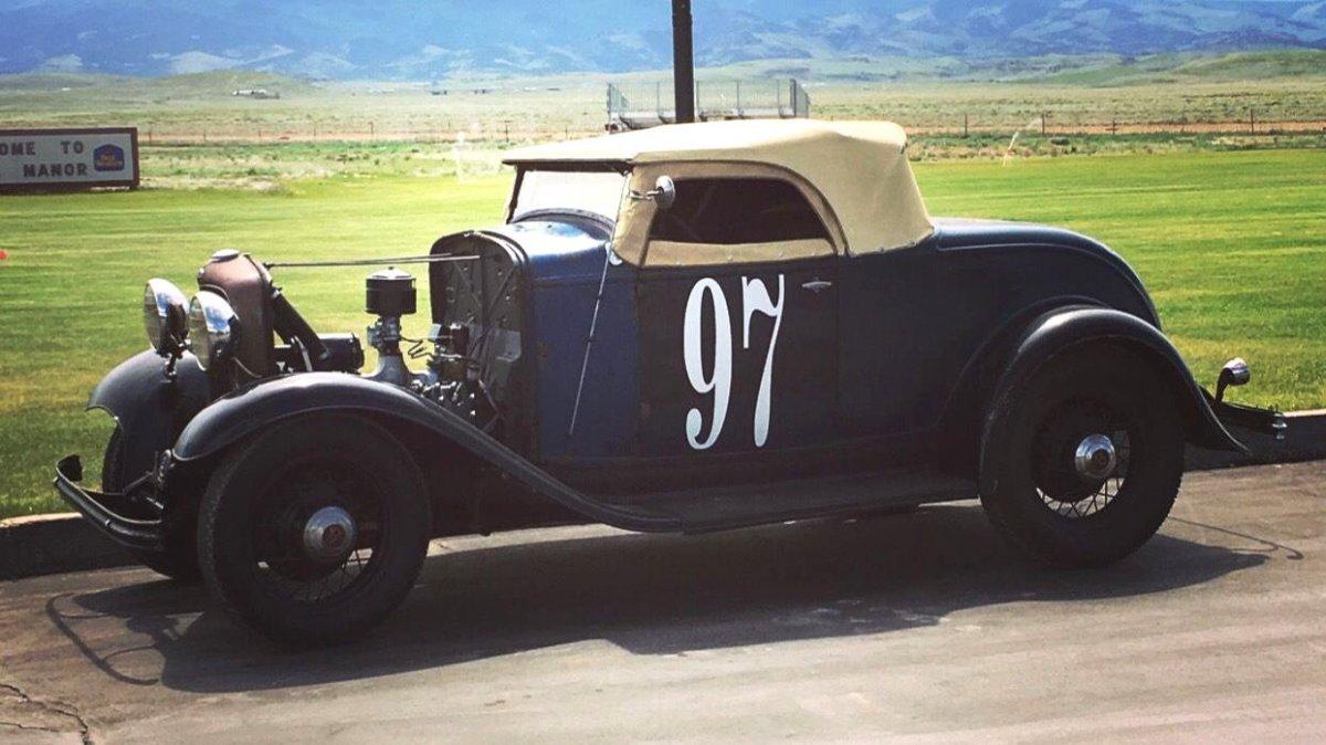 1932 Ford roadster Moises Vargas 01.jpg