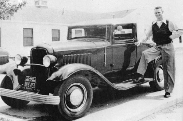 1932-Ford-Sport-Coupe-.jpg