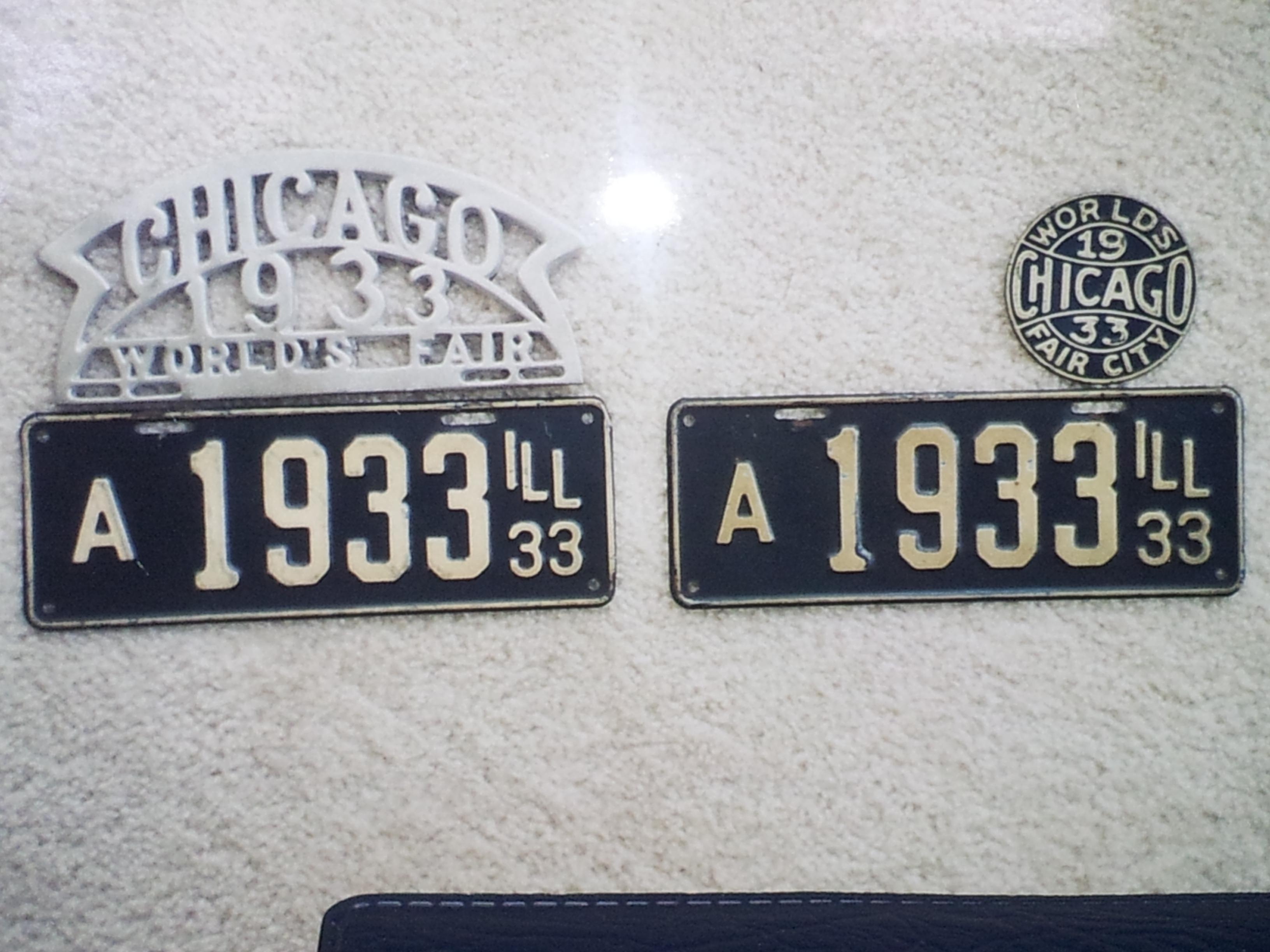 1933 ILL License Plates.jpg