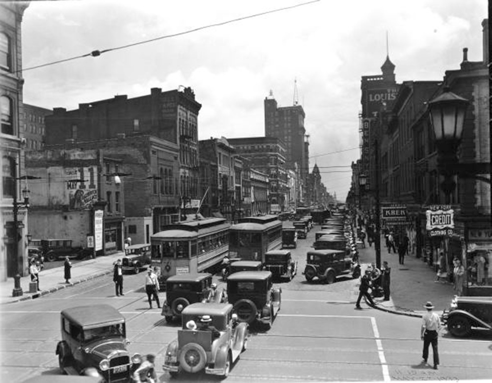 1933 Photo Downtown Louisville.jpg