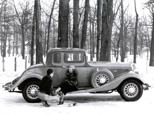 1933 Studebaker President Speedway Coupe.jpg