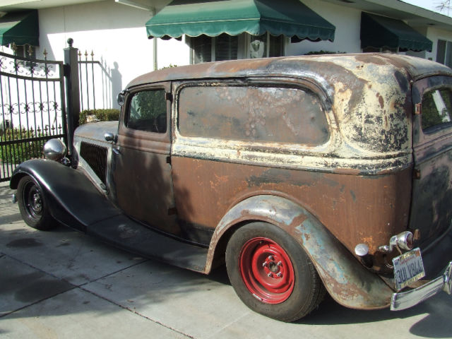 1934-ford-sedan-delivery-street-rod-barn-find-henry-body-and-frame-driver-9.JPG