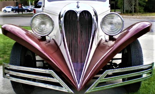 1934-ford-town-car-brewster-heart-shape-grille-1 (3).jpg
