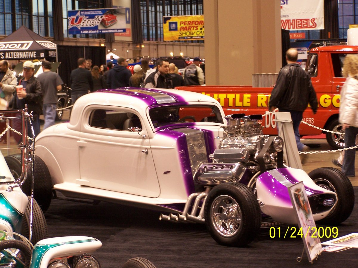 1934 Show coupe @ WoW '09.JPG
