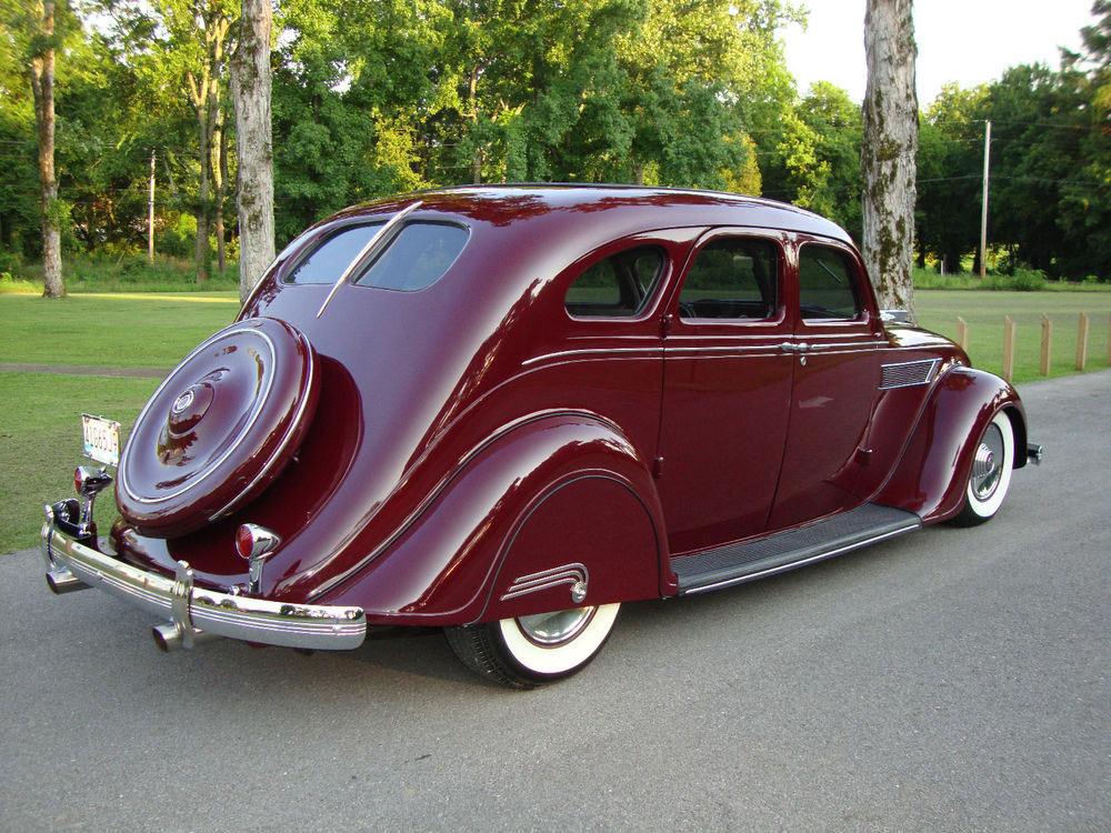 1935-Chrysler-Airflow-C2-Imperial_sml.jpg