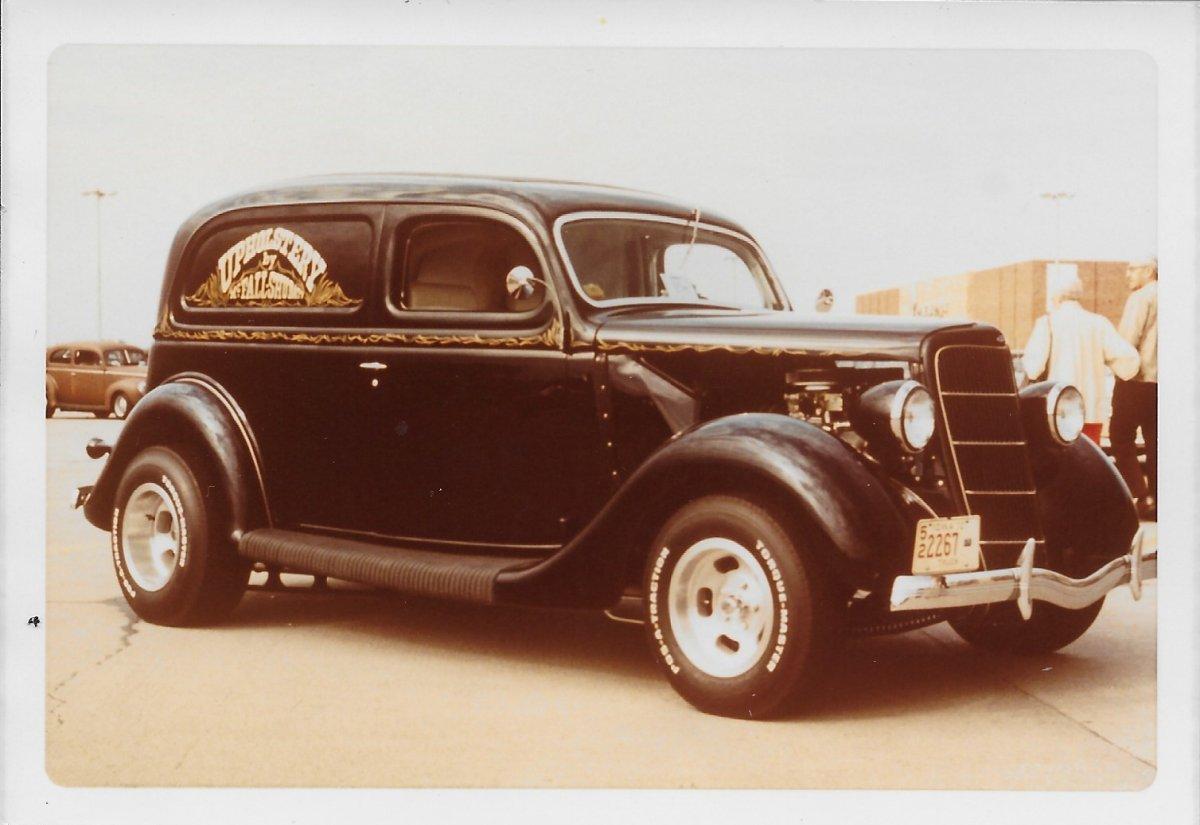 1935 Sedan Delivery.jpg