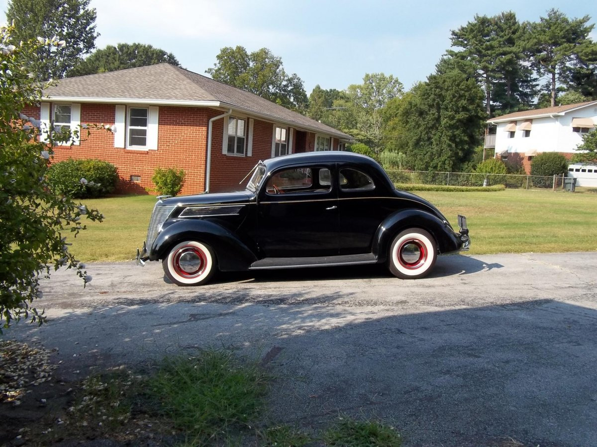 1937 Club Coupe.jpg