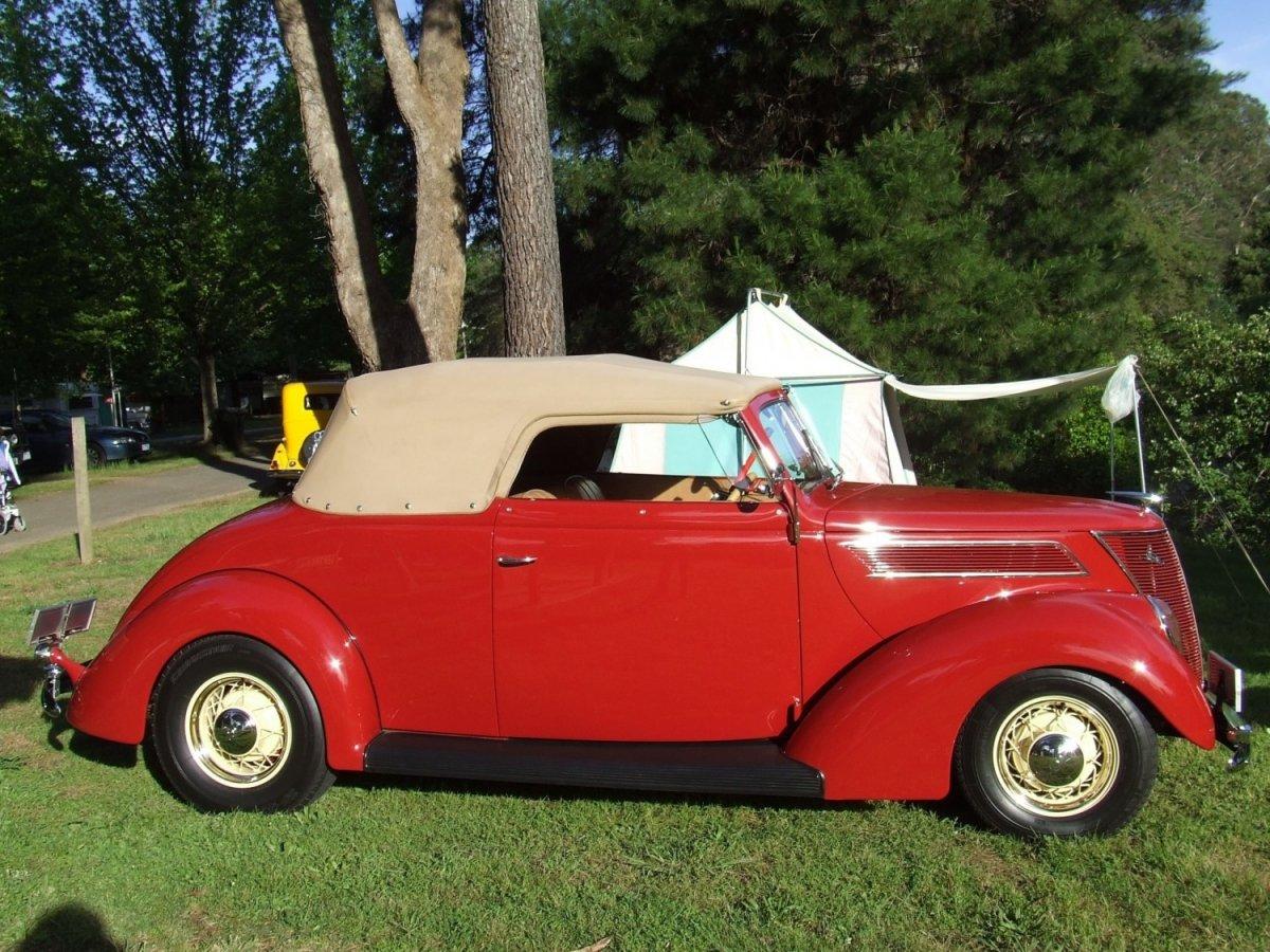 1937-ford-roadster.jpg