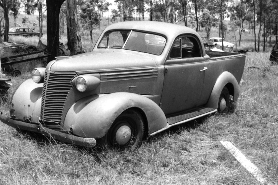 1938 full door ute.jpg
