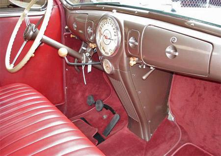 1939-lincoln-zephyr-dash.jpg