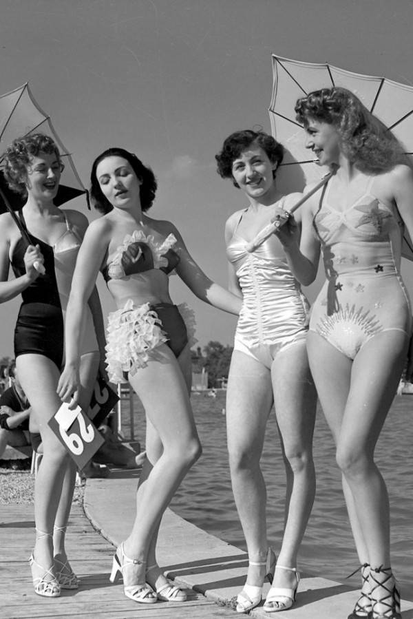 1940-Bathing-Suits-e1398985625418.jpeg