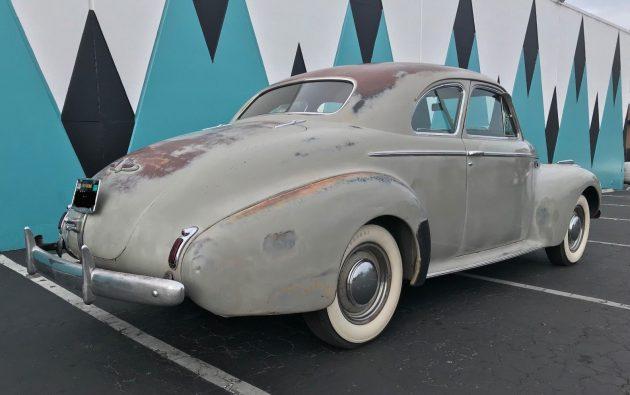 1940 Buick taillight.jpg