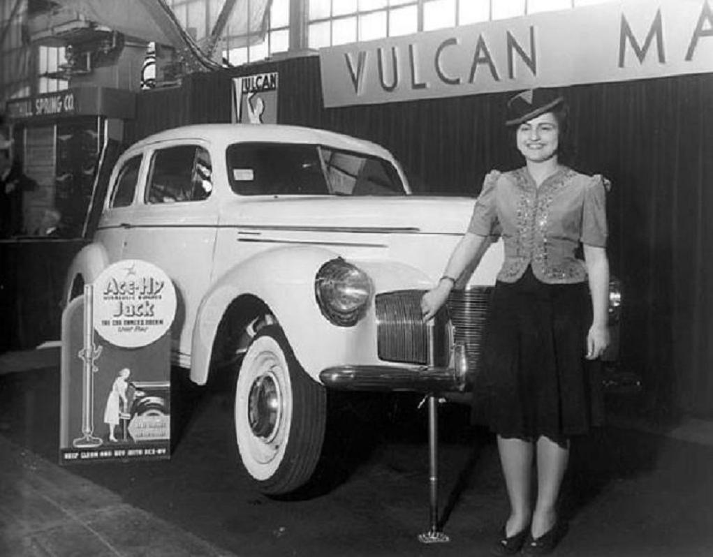 1940 bumper jack.jpg