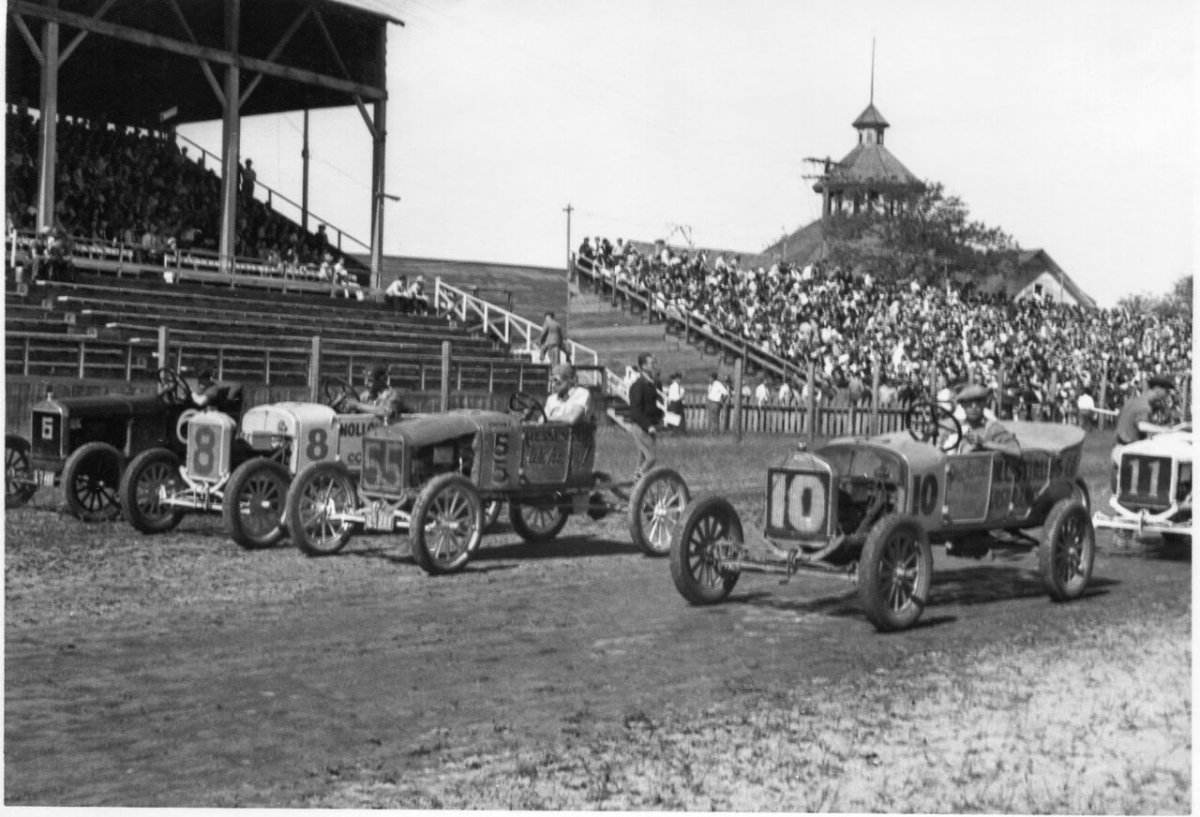 1940 Flivver Races, Walla Walla, Washington 02.jpg
