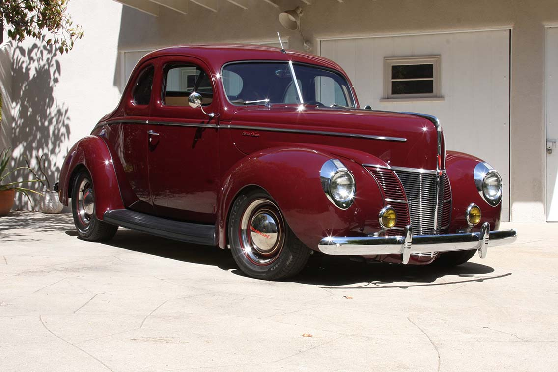 1940-ford-coupe-three-quarter-view-2.jpg
