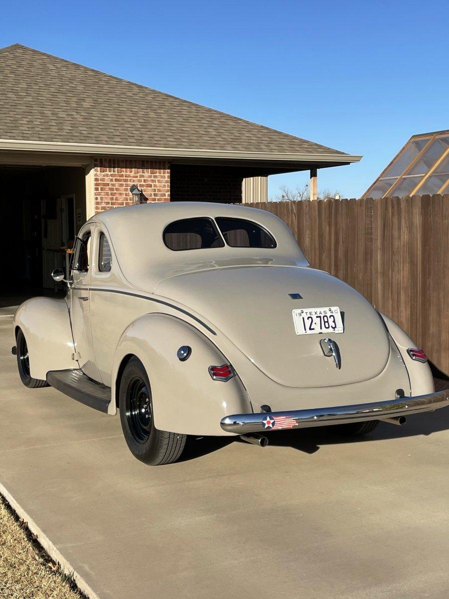 1940 Ford rear.jpeg