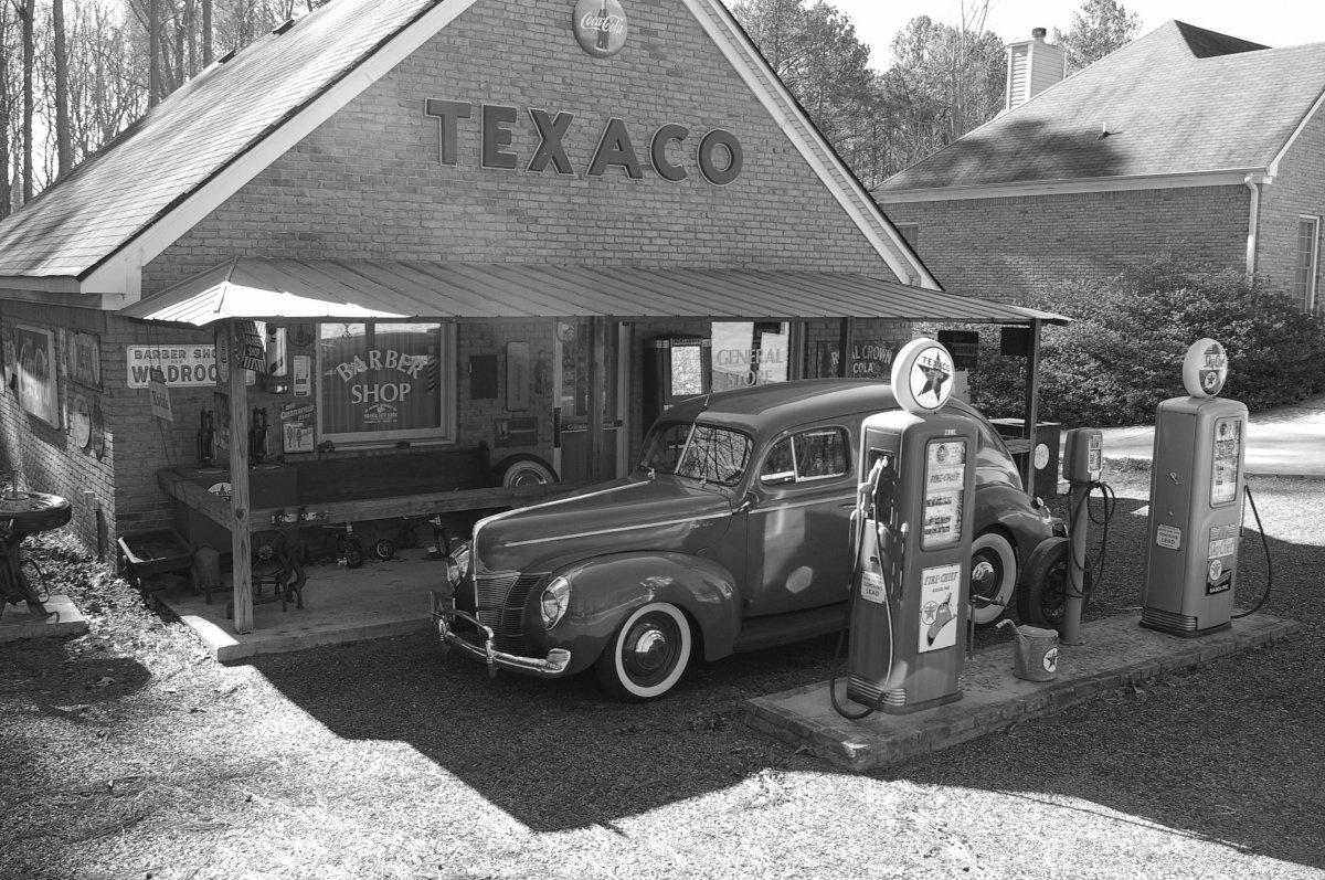 1940 Ford sedan 005.JPG