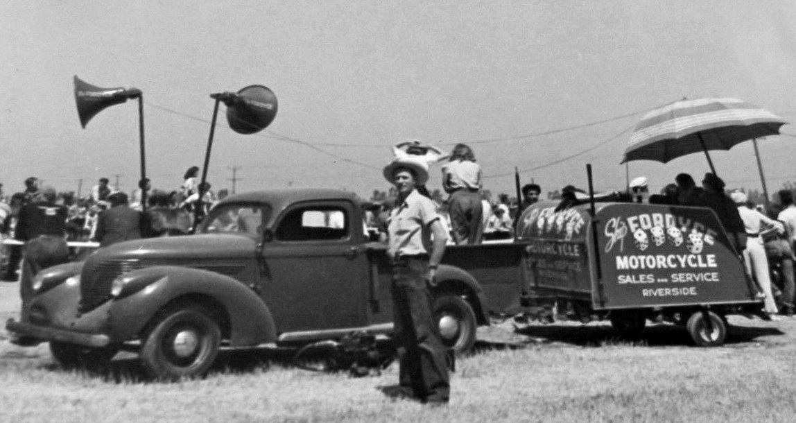 1940 motorcycle service truck.JPG