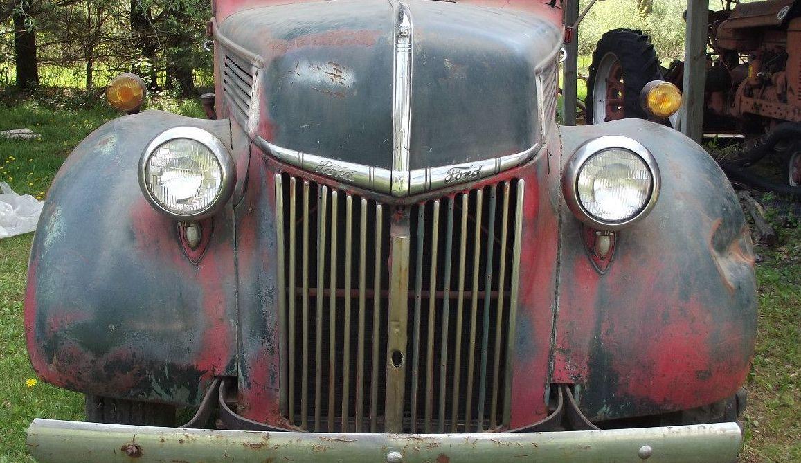 1940_1_1__2_ton_ford_flathead_truck_1_lgw.jpg