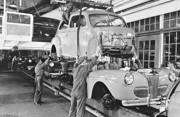 1941-Assembly-Line_o.jpg